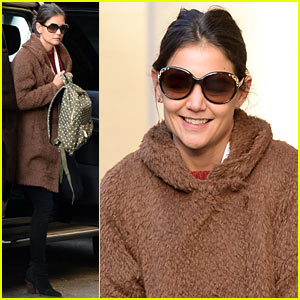 Katie Holmes Steps Out for Bright & Early School Run with Suri!