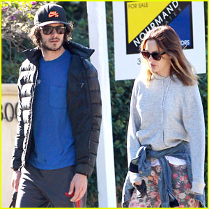 Leighton Meester & Adam Brody: Sunday Morning Dog Walk
