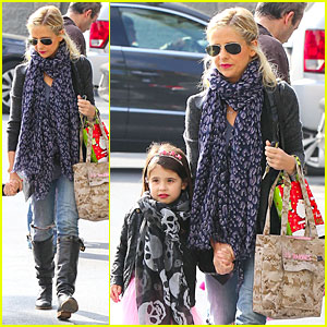 Sarah Michelle Gellar: Ballet Class Before Holiday Vacation!