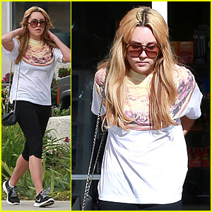 Amanda Bynes Stops at Gas Station After Gym Arrival