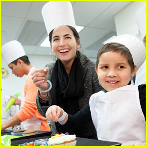 Camilla Belle Visits St. Jude Children's Hospital (Ex
