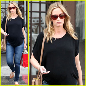 Emily Blunt Gets in a Pampering Day in Los Angeles!