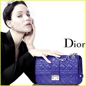 Jennifer Lawrence Extends Dior Deal for 3 Years, $15 Mill