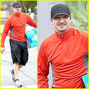 Jeremy Renner is Breathing Easy After Buying New Humidifier
