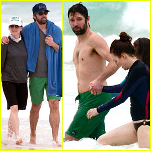 Julianne Moore: Family Beach Day in Mexico!