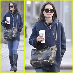 Katie Holmes Raves on Zachary Quinto's 'Glass Menagerie'