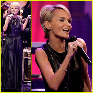 Kristin Chenoweth Talks Boyfriend Dana Brunetti on 'Leno'!