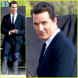 Matthew McConaughey: Beach Photo Shoot After Golden Globes Win!