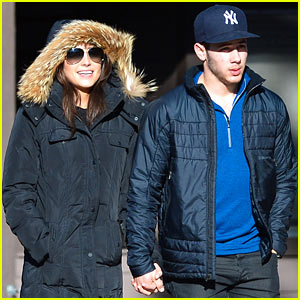Nick Jonas & Olivia Culpo Hold Hands in Chilly Mammoth!