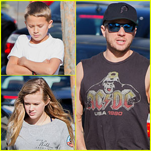 Ryan Phillippe: Juice Bar Stop with Ava & Deacon