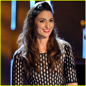 Sara Bareilles: People's Choice Awards 2014 Performance (Video)