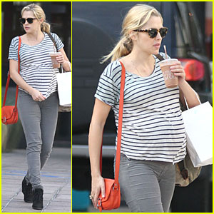 Teresa Palmer: Baby Bumpin' Stripes for Cafe Gratitude Lunch!