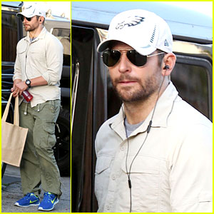 Bradley Cooper Runs Some Errands Before Oscars Weekend