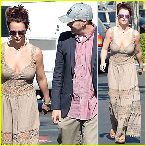 Britney Spears: Nicole Richie Looked Hot Crawling on All Fours!