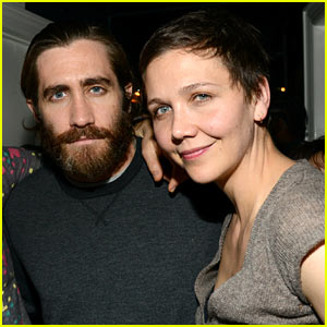 Jake Gyllenhaal and his older sister Maggie pose for a picture at the    Jake Gyllenhaal And Maggie Gyllenhaal Kiss