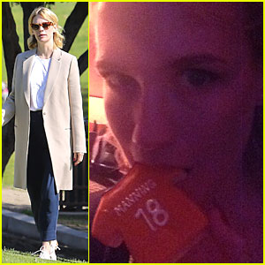 January Jones Eats Broncos' Peyton Manning During Super Bowl 2014