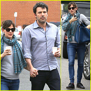 Jennifer Garner & Ben Affleck Hold Hands at Bricks & Scones!