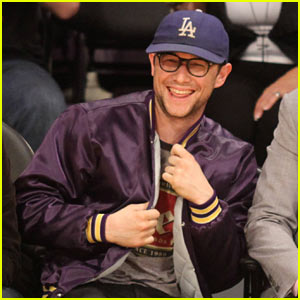 Joseph Gordon-Levitt Reteaming with Seth Rogen for Christmas Comedy!