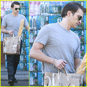 Olivier Martinez Flexes His Muscles for a Baguette!