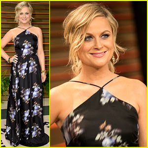 Amy Poehler Goes Floral for Vanity Fair Oscars Party 2014