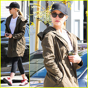 Dianna Agron Wants to Go a Day Without Waste!