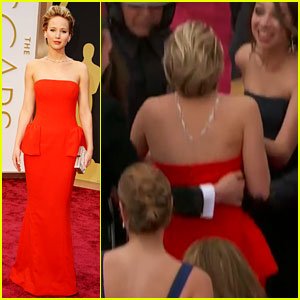Jennifer Lawrence Falls on Oscars Red Carpet 2014 (Video)