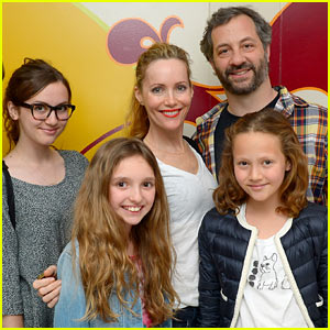 Leslie Mann is Surrounded By Family & Lots of Cirque Performers For Her Birthday Bash!