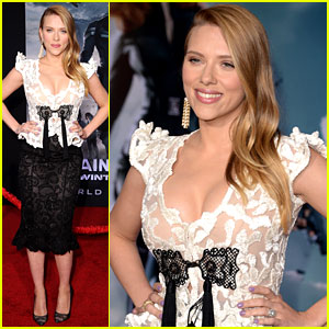 Scarlett Johansson Debuts Pregnant Body in Lace Dress at 'Captain America 2' Premi