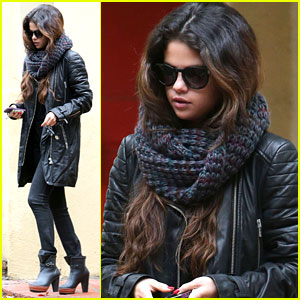 Selena Gomez Bundles Up on a Rare Rainy Day in Los Angeles