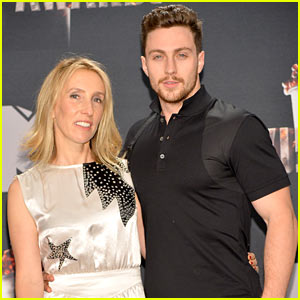 Aaron Taylor-Johnson Poses with Wife Sam After Presenting at MTV Movie Awards 2014