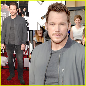 Chris Pratt Is a Cool Stud at the MTV Movie Awards 2014