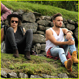 Harry Styles & Liam Payne Chill Out at Machu Picchu!