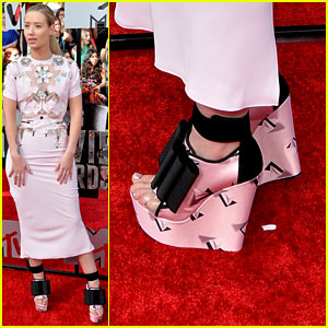 Iggy Azalea's Funky Fresh Heels are Super Chic on MTV Movie Awards 2014 Red Carpet