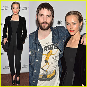 Isabel Lucas & Jim Sturgess Bring 'Electric Slide' to Tribeca Film Fest!