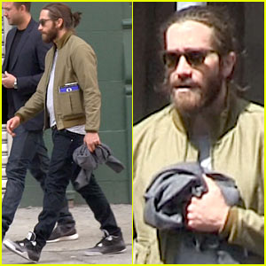 Jake Gyllenhaal is Back in NYC & Still Sporting His Scruffy Beard