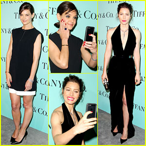 Katie Holmes & Jessica Biel Snap Red Carpet Selfies (Photos