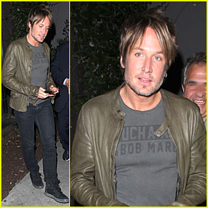 Keith Urban Goes Green at Vegan Hotspot Crossroads!