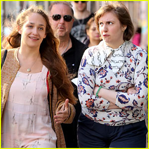 Lena Dunham Makes Hilarious Pouting Face for 'Girls' Filming!