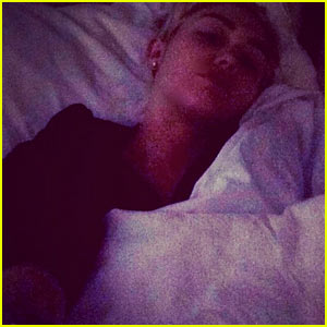Miley Cyrus</a>' 'Allergic Reaction Issues Have Returned,' Cancels More Tour Dates