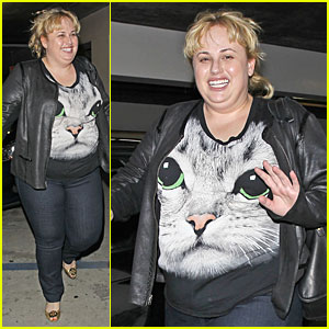 Rebel Wilson Meows Her Way to ArcLight Cinemas!