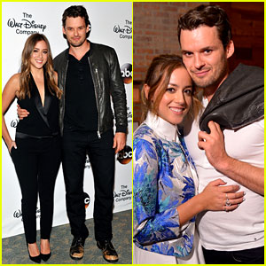 Austin Nichols Amp Chloe Bennet Couple Up At Friend S
