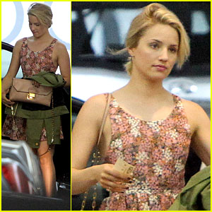 Dianna Agron Braves the Los Angeles Heat for Lunch!