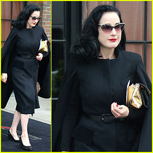 Whoa... Dita Von Teese Went Commando at Met Ball 2014!