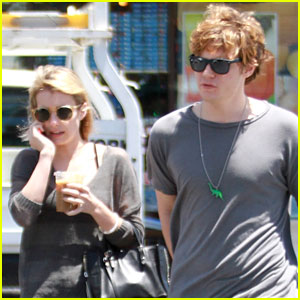 Evan Peters Insulted Emma Roberts After Their First Kiss!