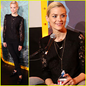 Jaime King & Husband Kyle Newman Team Up for 'Humans From Earth' Podcast!