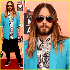Jared Leto Wears a Skirt at the iHeartRadio Music Awards 2014