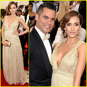 Jessica Alba Is Cash Warren's Golden Gal at Met Ball 2014