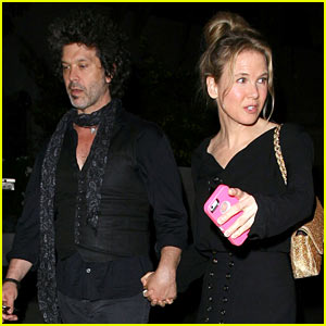 Renee Zellweger & Doyle Bramhall II Still Going Strong, First Pics Together Since Last Year!