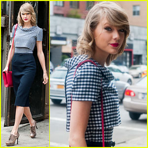 Taylor Swift is Fresh-Faced After Night Out with Karlie Kloss!