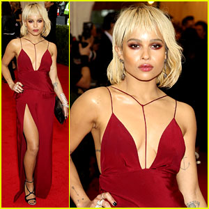 Zoe Kravitz Puts Her Best Leg Forward at Met Ball 2014